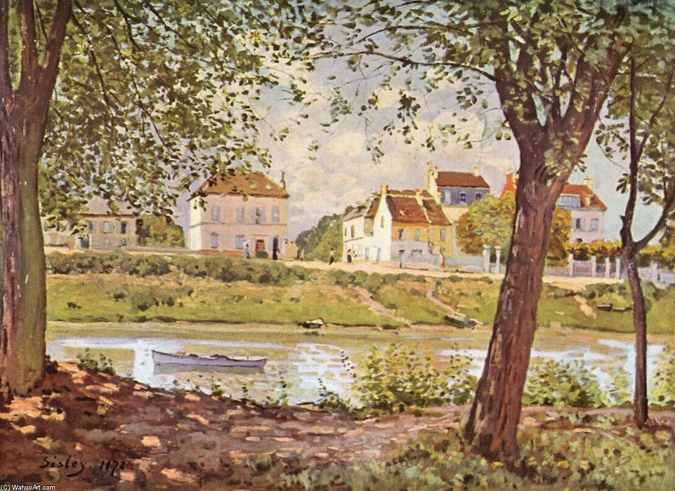 famous painting Village on the banks of the Seine of Alfred Sisley
