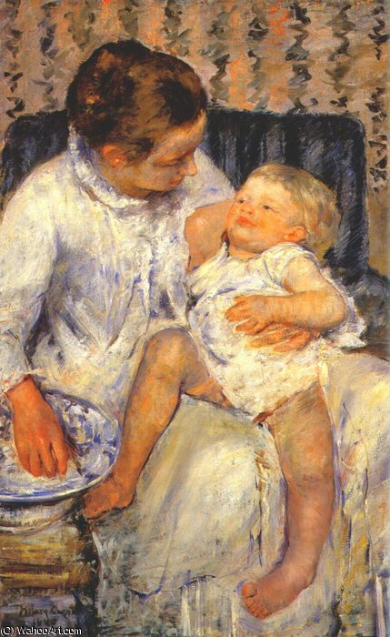 famous painting mother about to wash her sleepy child of Mary Stevenson Cassatt